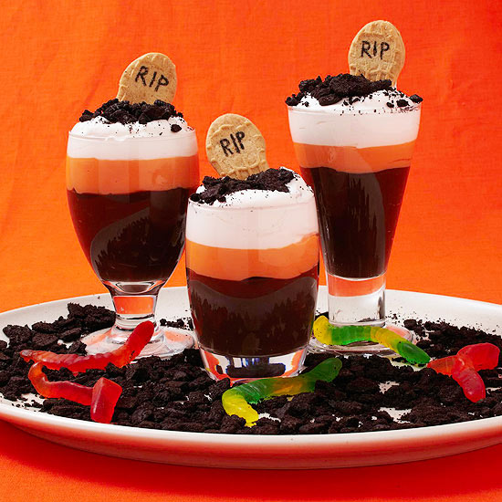 graveyard pudding cups parents - Pudding Halloween Desserts