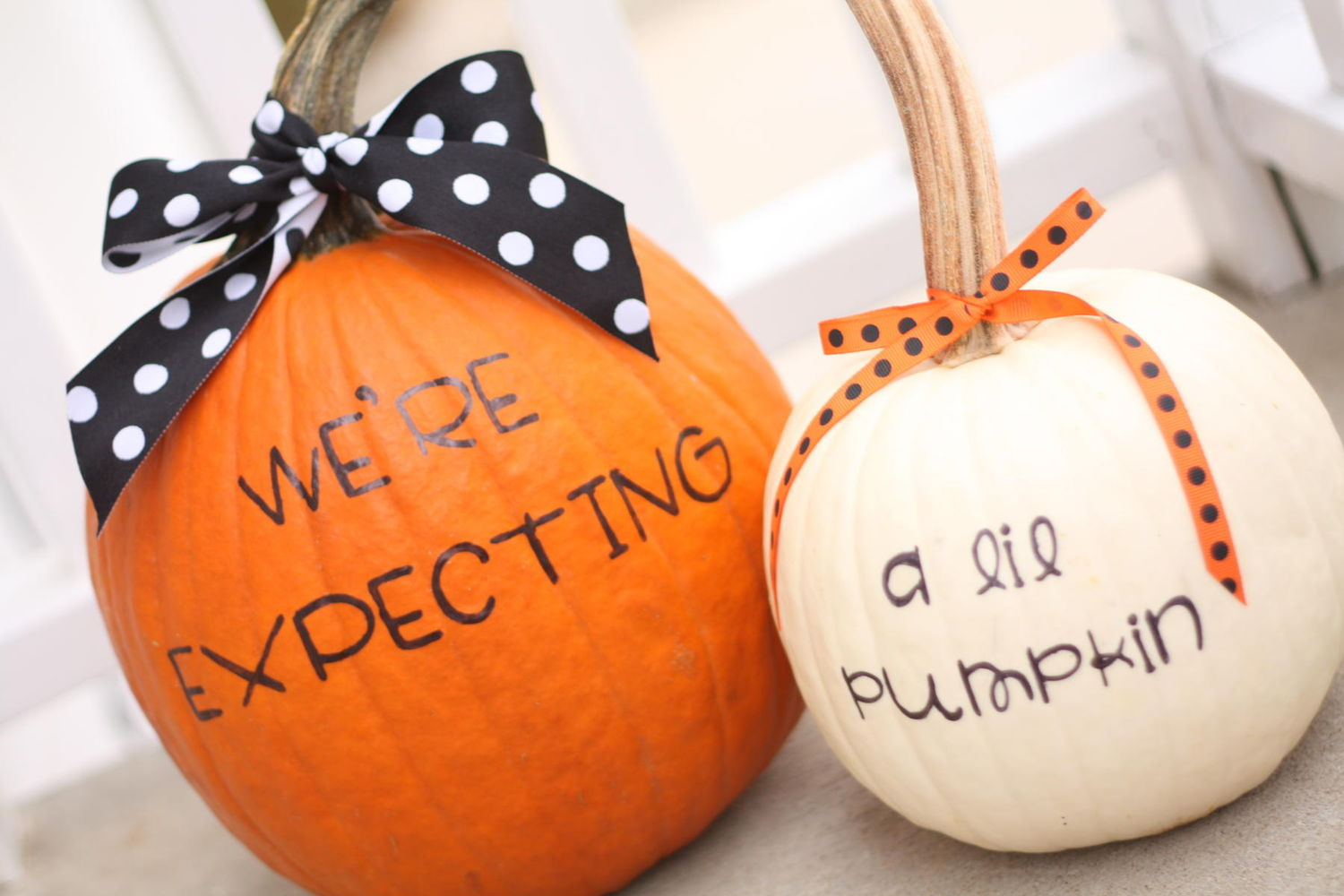 Our Favorite Halloween Pregnancy Announcements – Announcing Baby News