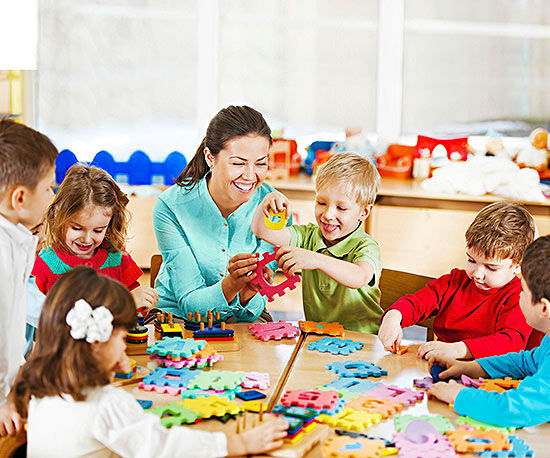 Kinder Garden: Encourage Your Child To Bond With His First Teacher