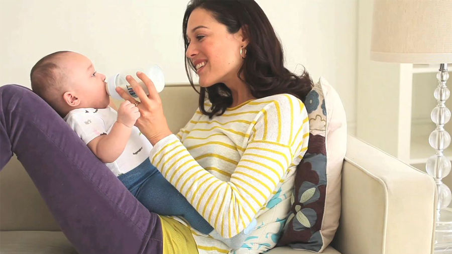 Best Positions To Bottle Feed Baby Parents