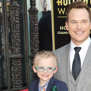Chris Pratt Anna Faris and son at Hollywood Walk of Fame ceremony