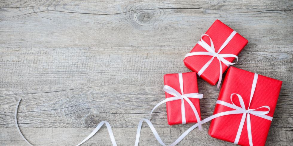 gift-wrapping strategies use one color of paper