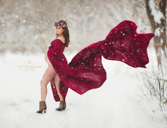 epic winter maternity photo