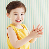 Child clapping