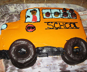 Bake A Back-to-School School-Bus Cake