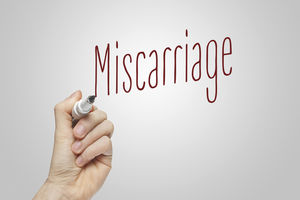 miscarriage sign