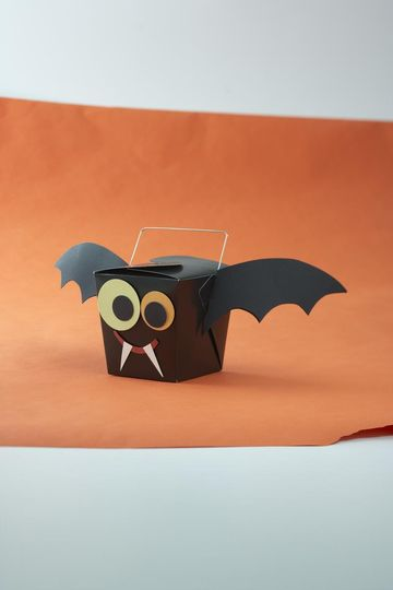 how to make bat wings out of paper