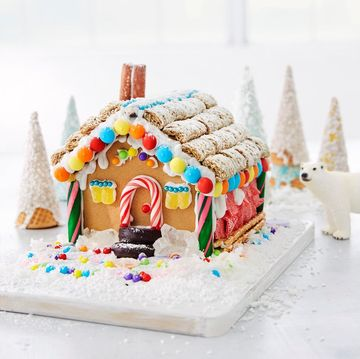 Hack the Gingerbread House