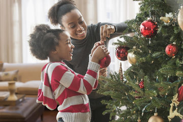 14 ways to create fun family traditions for How did the christmas tree tradition start