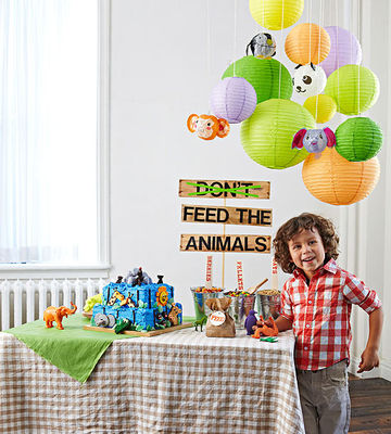 Zoo-themed birthday party