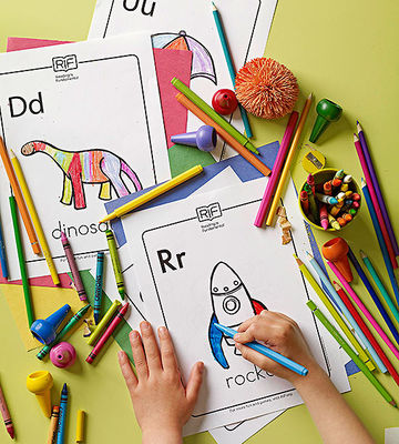child coloring letters