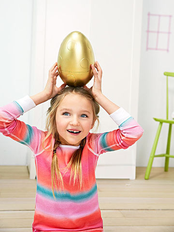 While with golden egg