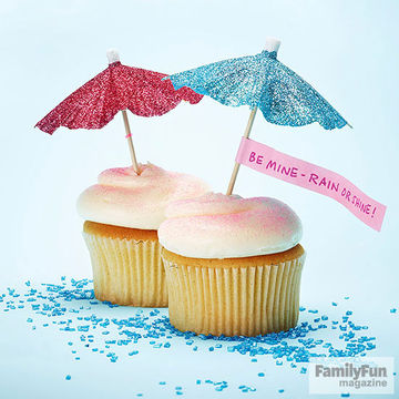 Sparkly drink parasols on cupcakes