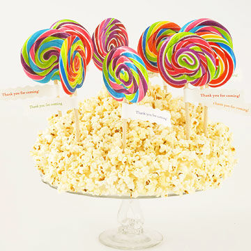 popcorn and lollipops centerpiece