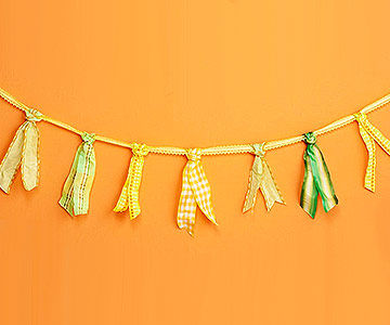 Tie the Knot Garland