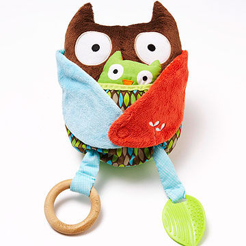 Hug & Hide Owl Activity Toy