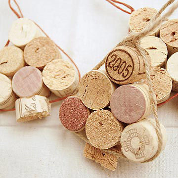 Make your own christmas ornaments to decorate the tree Wine cork birdhouse instructions