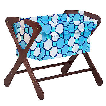 Cariboo Classic Bassinet with Baby Star Tag Blue bedding
