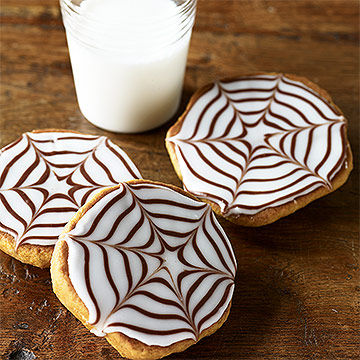 spiderweb cookies - Halloween Bakery Ideas