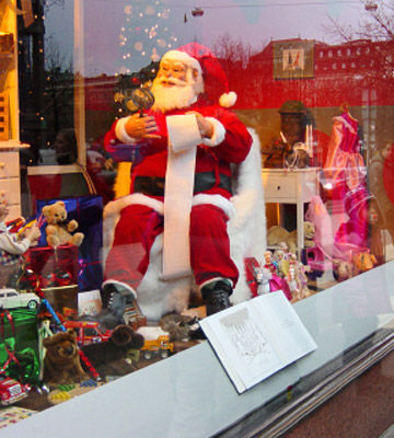 store holiday window