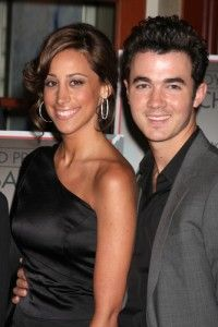 Kevin and Danielle Jonas Announce Their Baby's Gender 30501