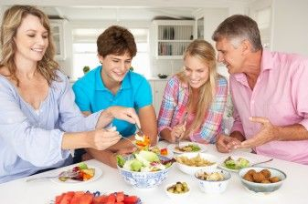 Study Shows Family Dinners Can Help Teens Cope With Cyberbullying