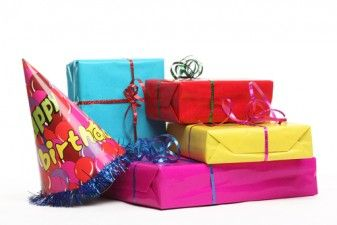 Bring Back the Present-Opening at Parties! 33927