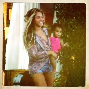 Will Beyoncé Give Daughter a Sibling in 2014?