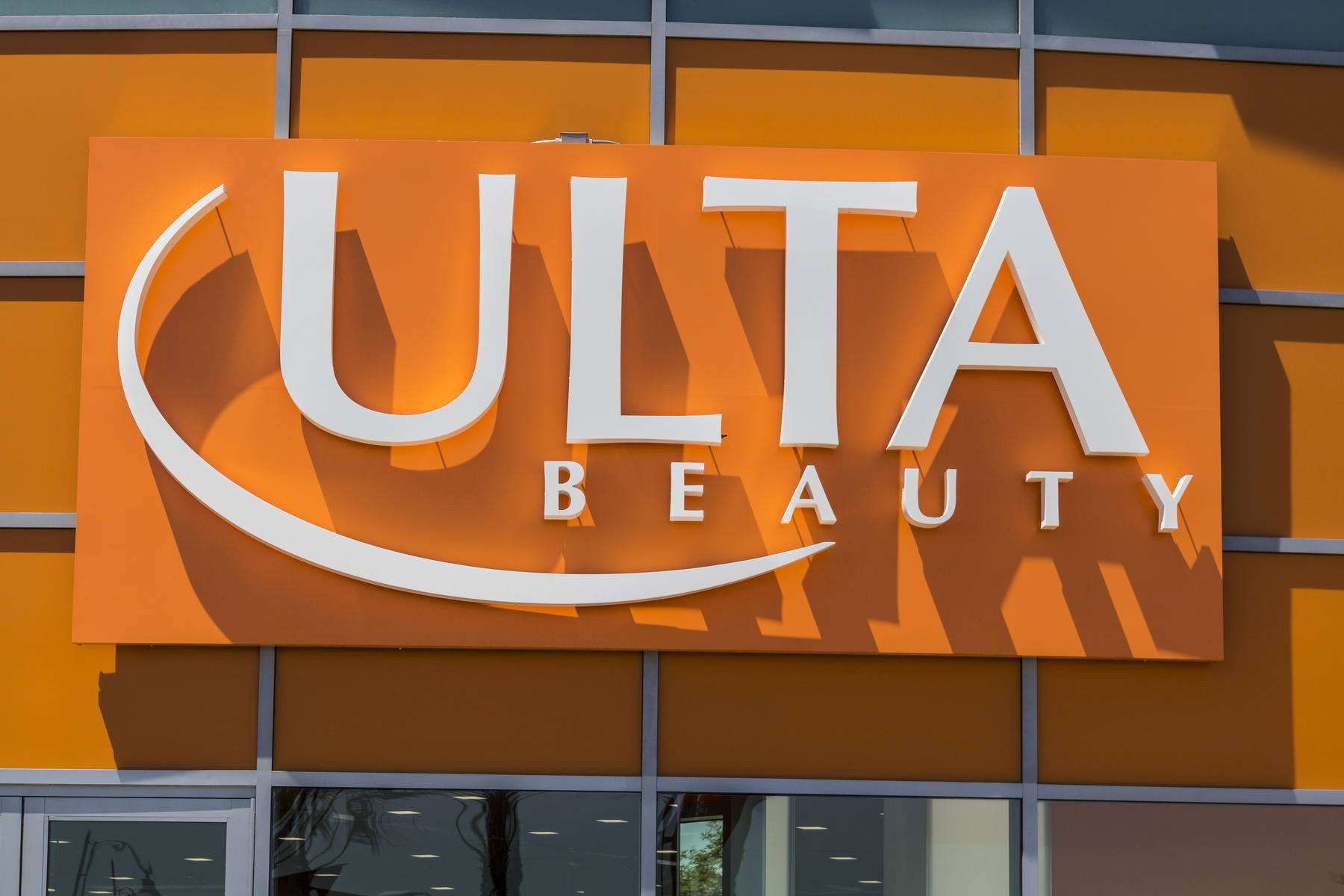 Mom Tricks Husband into Thinking Her Ulta Charge Meant 'Utilities' on Bank Statement