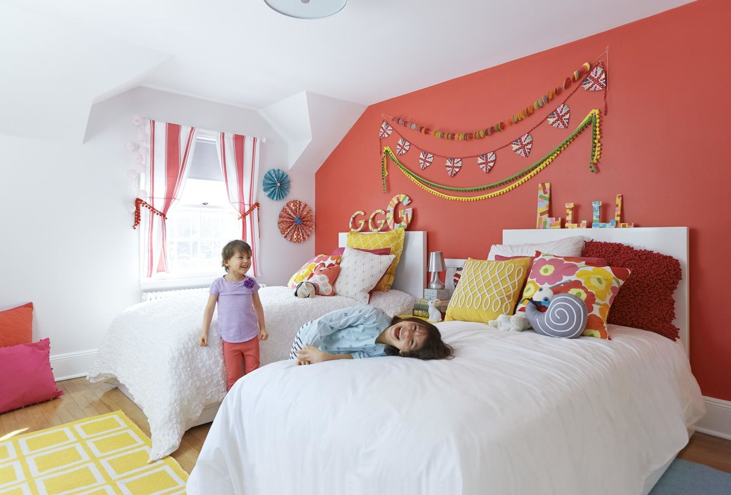 Inexpensive and Colorful Kids' Bedroom Ideas