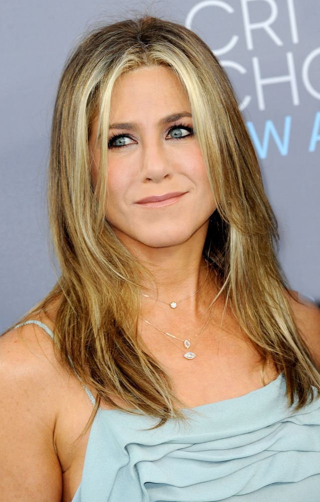 Jennifer Aniston is NOT Pregnant & She's Mad That We Even