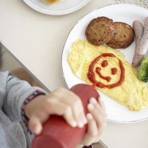 ketchup smiley face on eggs