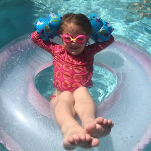 Jessica Hartshorn's niece in the hotel swimming pool
