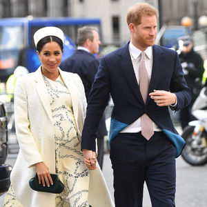 Pregnant Meghan Markle and Prince Harry Walking