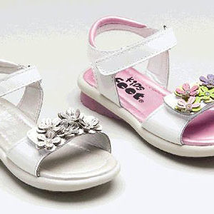 Girls' Sandals Recalled recall image
