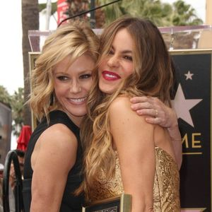 TV Moms Julie Bowen and Sofia Vergara Modern Family
