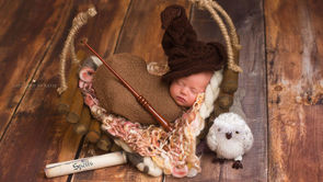 Photographer Recreates Newborn Photoshoot For Baby's 1st Birthday_still2