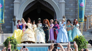 Mothers Dress As Disney Princesses For Magical Maternity Shoot_still