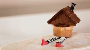 Halloween Treat: House on Witch Cupcake