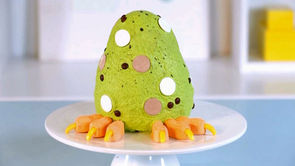 How to Make a Dinosaur-Egg Cake