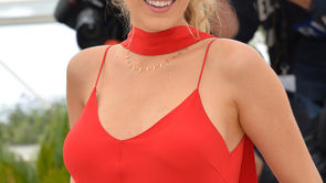 What Can Moms Take Away From Blake Lively's 61 Pound Postpartum Weight Loss?