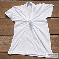White t-shirt with ribber band in middle