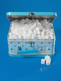 lunch box filled with sugar