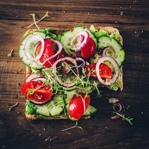 Avocado toast with veggies
