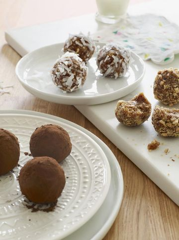 Sweet Treats Matzo Crunch Bites
