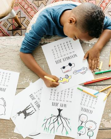 Gifts Kids Make Fill-In-The-Drawing Calendar