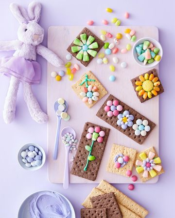 Extra Easter Candy Treats Graham Cracker Blossoms