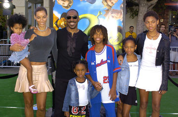 Eddie Murphy and Family at Shrek 2 Premiere