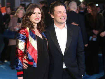 jamie oliver and pregnant wife jools 2016