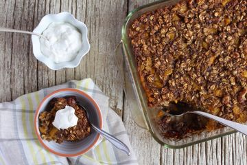 Flax Oatmeal Bake with Peaches